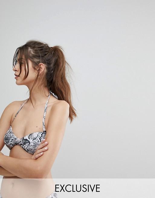 Bikinitop i slangeprint fra Wolf & Whistle