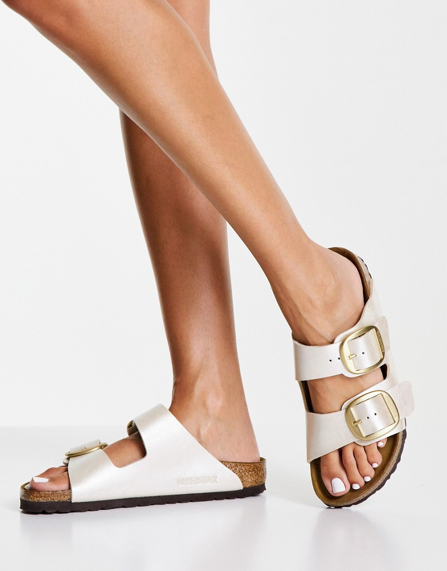 Birkenstock - Arizona Big Buckle - Flade sandaler i hvid med perlemorsfinish