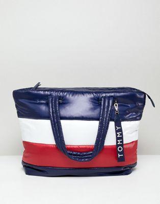 Bolso tote acolchado con diseño de bandera de Tommy Hilfiger