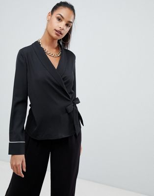 Boohoo contrast piping wrap satin blouse in black