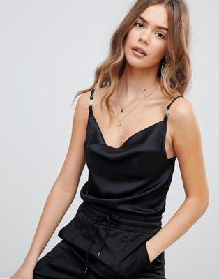 Boohoo shoulder clasp open back cami top in black