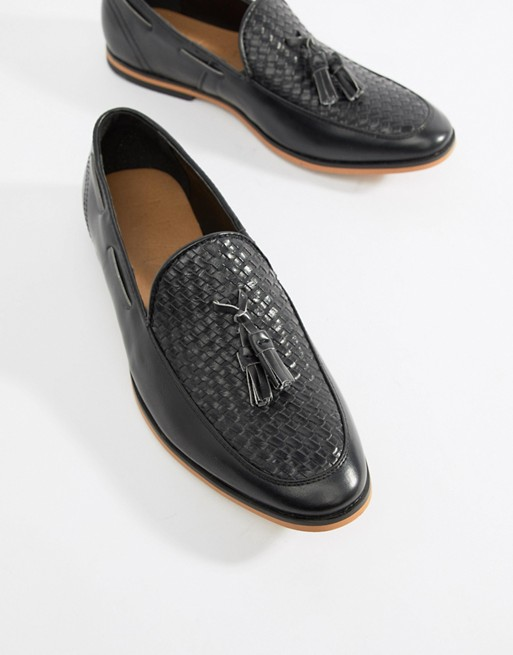 boohooMAN – Svarta loafers i skinnimitation med tofs och vävd ovansida