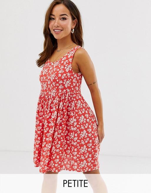 Brave Soul – Skaterska sukienka Petite z kwiecistym nadrukiem