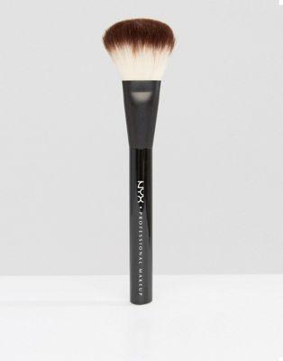 Brocha Pro Powder de NYX Professional Makeup