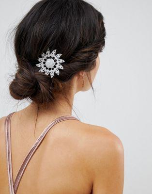 Broche y horquilla de pelo de flores con cristales de ASOS DESIGN