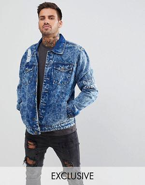Giacca di jeans lavaggio acido con fascia sulla manica fdc41f8d5d6