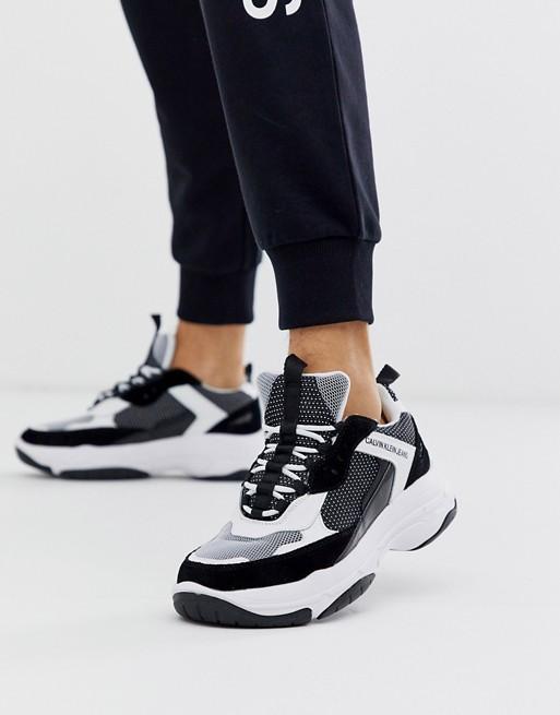 Calvin Klein – Marvin – Svartvita sneakers med grov sula