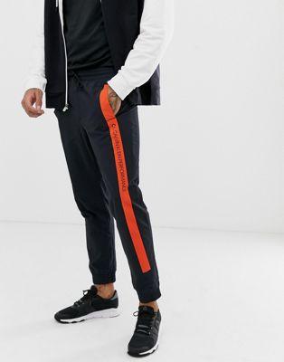 Bild 1 von Calvin Klein Performance – Gestreifte Jogginghose mit Logo