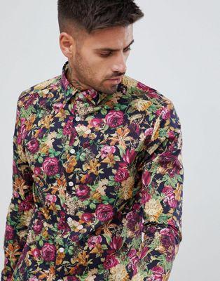 Camisa ajustada de flores en azul marino de ASOS DESIGN