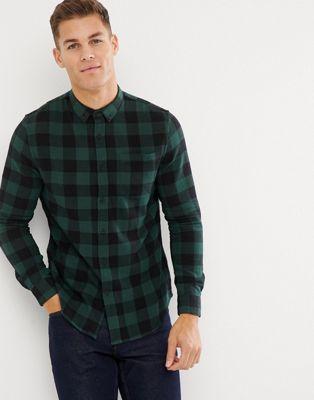 Camisa de corte estándar a cuadros en caqui de New Look