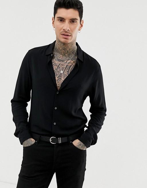 Imagen 1 de Camisa de viscosa de corte estándar en negro de ASOS DESIGN