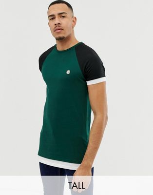 Camiseta con dobnle caoa y mangas raglán de Le Breve TALL