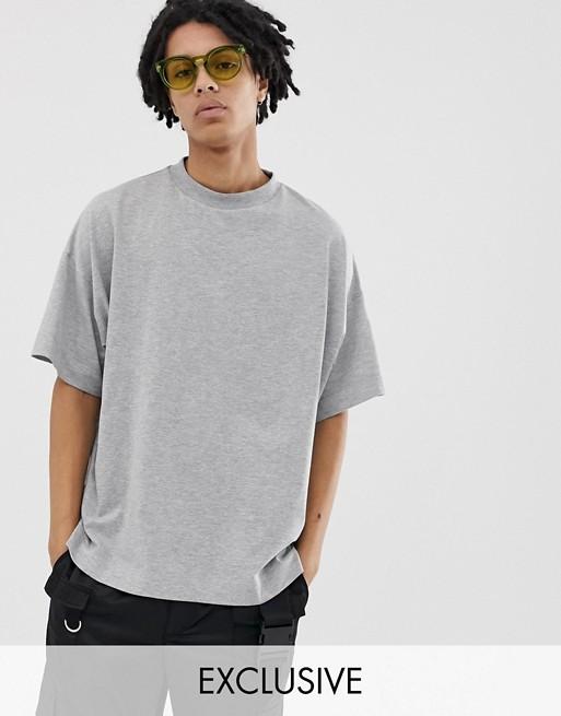 Imagen 1 de Camiseta extragrande en gris marga de COLLUSION