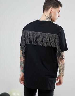 Camiseta larga con espalda en tono plateado metálico con flecos de ASOS