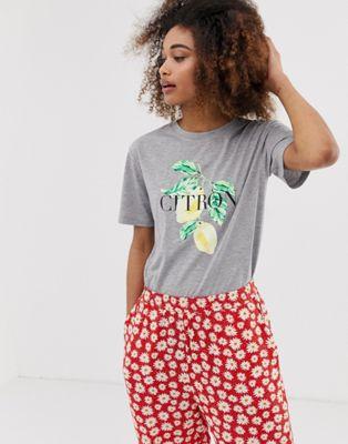 Imagen 1 de Camiseta relax con estampado de cítrico de Neon Rose