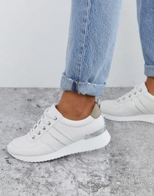 Carvela - Hardloopschoenen in wit