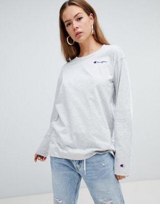 Champion - T-shirt a maniche lunghe oversize con logo sul davanti