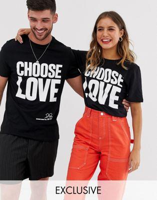 """Черная футболка из органического хлопка с принтом """"Choose Love"""" Help Refugees"""