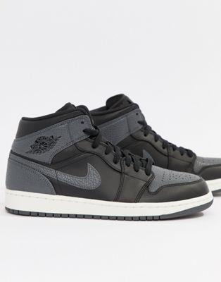 Черные кроссовки средней высоты Nike Air Jordan 1 554724-041