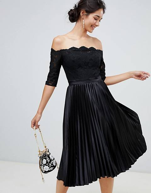 Chi Chi London – Svart midiklänning med spetstopp och plisserad kjol