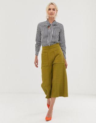 Closet - Cropped broek met wijde pijpen