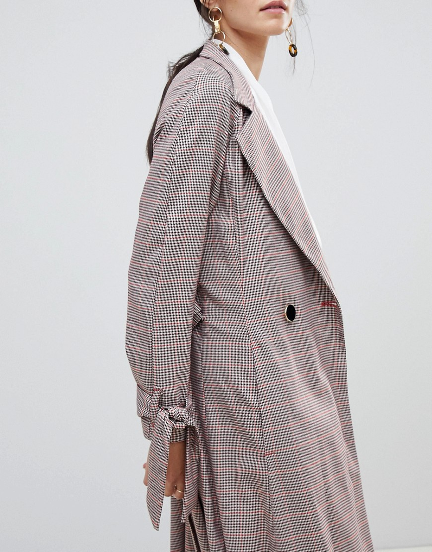 Closet London Trench Coat With Tie Sleeve In Check by Closet