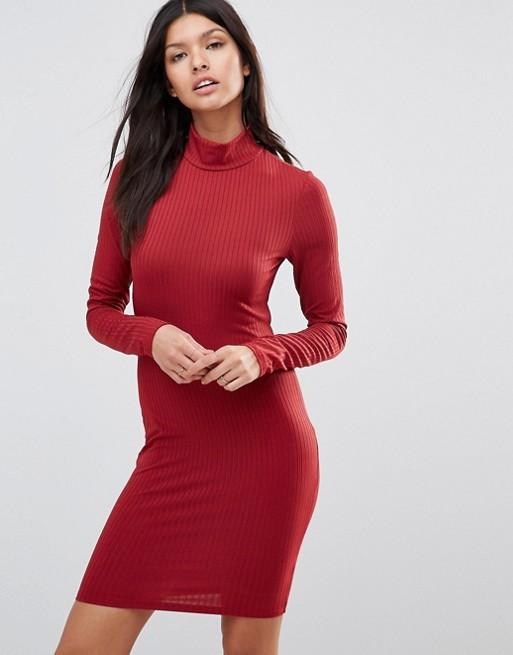 Club L – Ribbad klänning med hög krage och lång ärm   ASOS