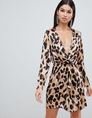 Club L - Robe à manches longues torsadée sur le devant avec imprimé léopard