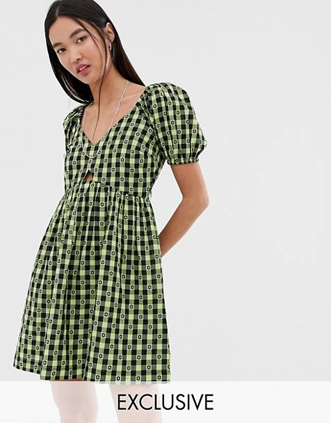 41a96484fd0 COLLUSION v-neck gingham smock dress