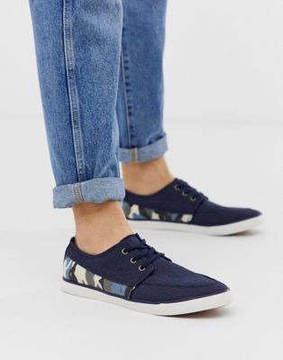 Image 1 of Dunlop plimsolls with camo print in navy