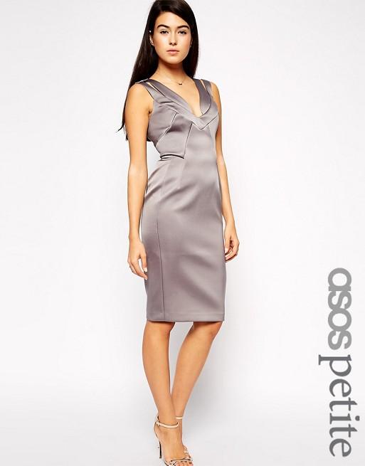 3a54334b3498f Exclusivité ASOS PETITE - Robe fourreau sexy en satin non tissé avec  coutures apparentes