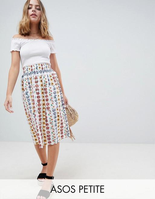 Falda midi de algodón con botones en la parte delantera y estampado floral de ASOS DESIGN Petite