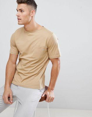 FoR – Sandfärgad T-shirt med fickdetalj