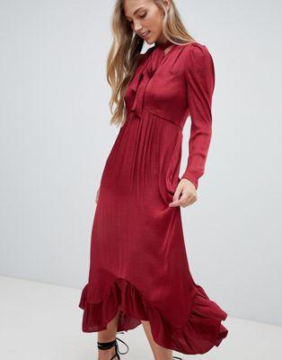 Forever New - Diepuitgesneden midi-jurk met ruches aan de mouwen en strik in bordeaux