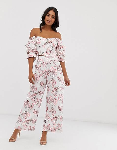 2a407084d4 Forever New high waisted wide leg trousers in floral print co-ord
