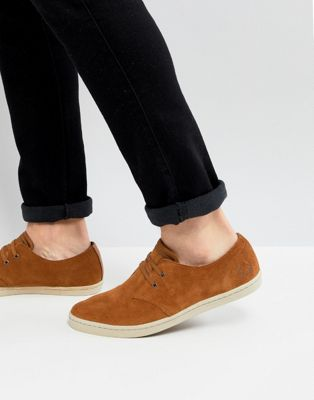 Fred Perry Byron Low Suede Shoes In Tan
