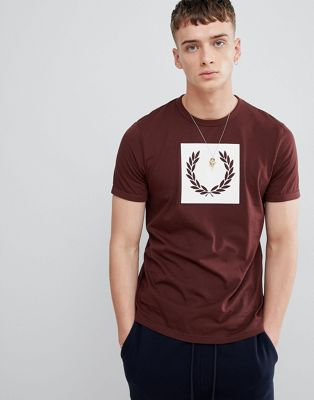 Fred Perry laurel wreath print t-shirt in burgundy