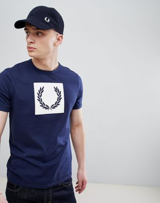 Fred Perry Laurel Wreath - T-shirt met print in marineblauw