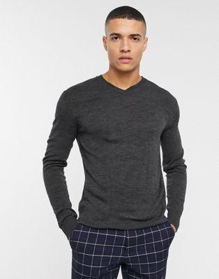 French Connection – Gładki sweter z logo i dekoltem w serek
