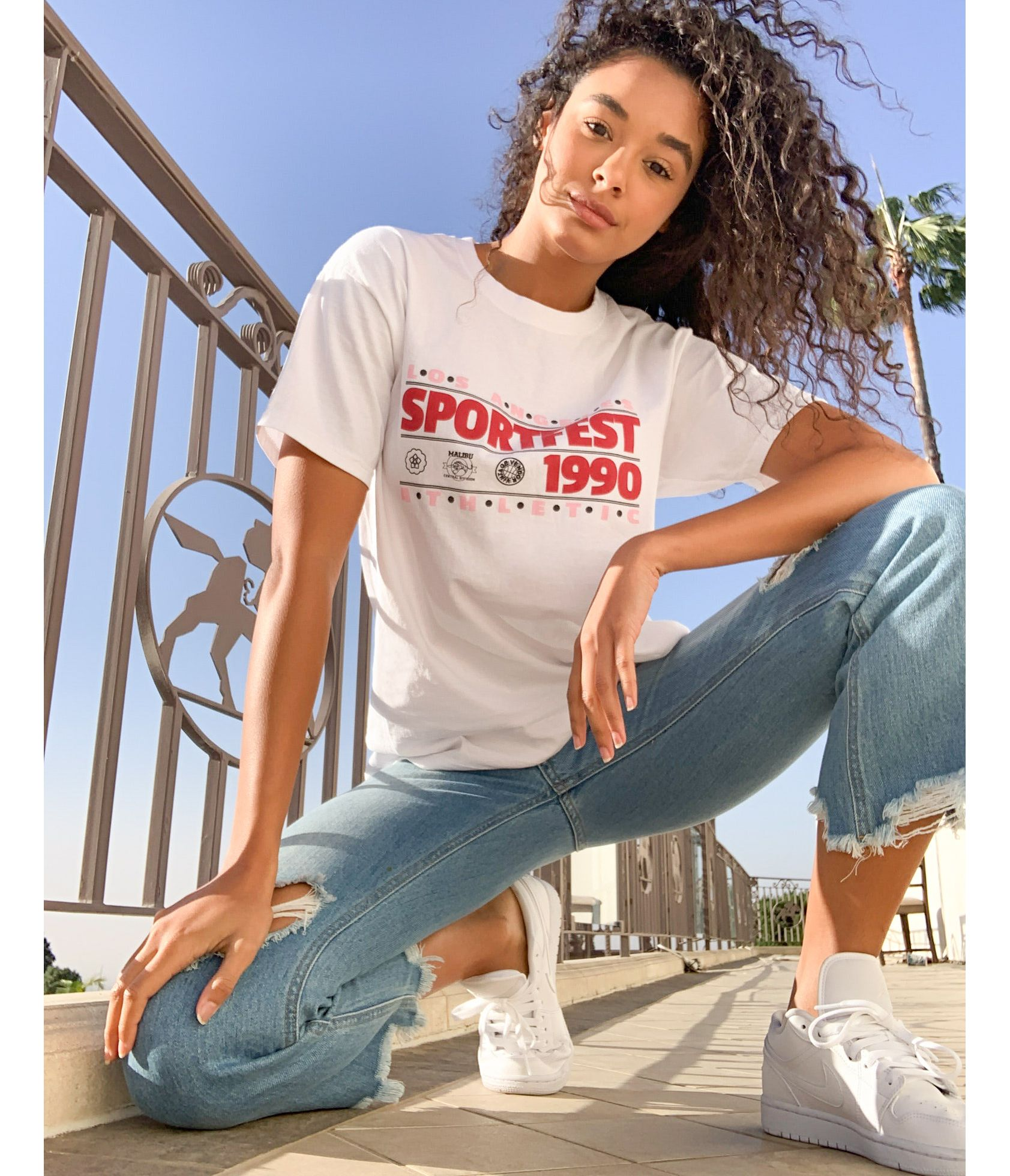Daisy Street relaxed boyfriend t-shirt with vintage sport graphic - ASOS Price Checker
