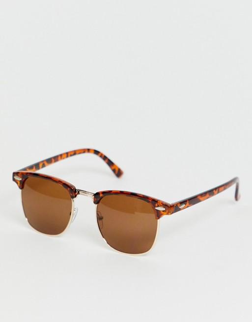 Imagen 1 de Gafas de sol con montura de diseño retro y efecto carey de SVNX