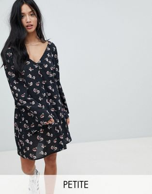 Glamorous Petite Smock Dress In Spot Floral