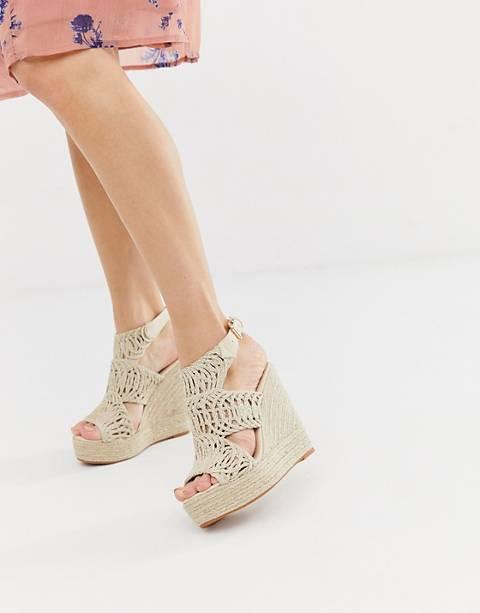 Glamorous – Sandaler i espadrillstil med hög kilklack och utskurna detaljer