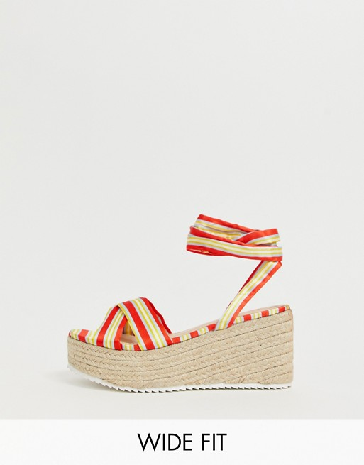 Immagine 1 di Glamorous Wide Fit - Espadrilles stringate a righe rosse