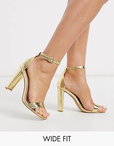 Glamorous Wide Fit – Filigrane Absatzsandalen mit Schlangenhautmuster in Gold-Metallic, weite Passform