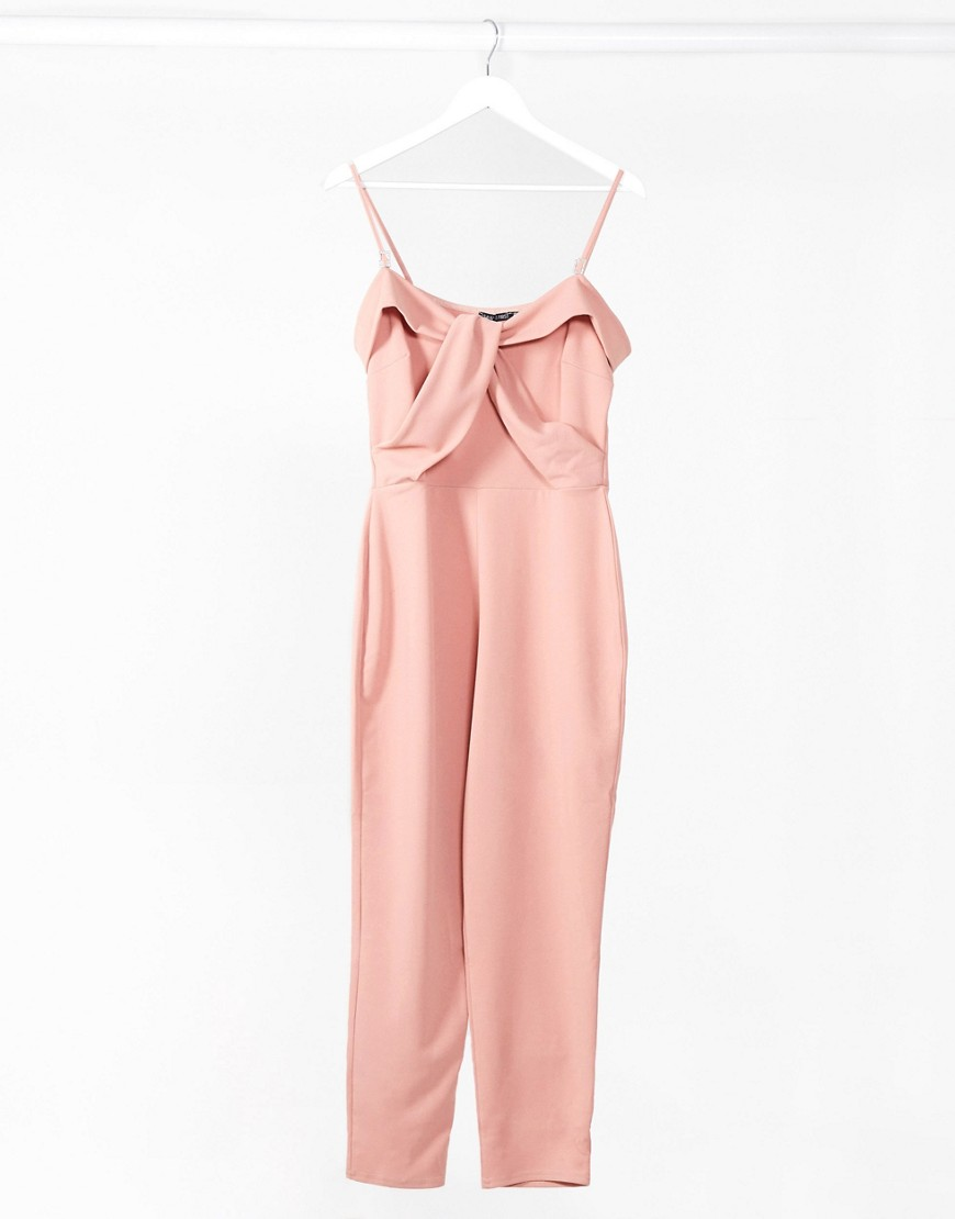 I Saw It First - Pink jumpsuit med smal pasform og rhinsten-stropper