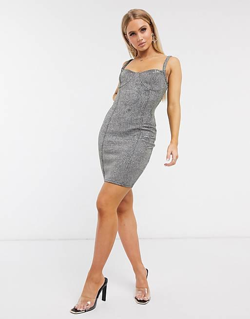I Saw It First – Silverfärgad miniklänning i metallic med detalj på kupan
