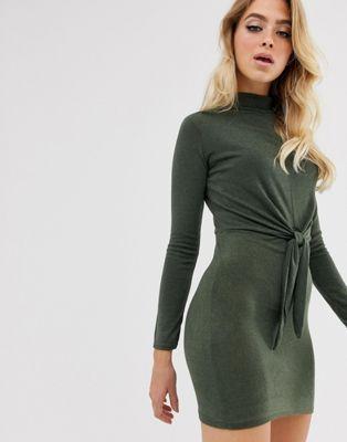 In The Style – Minikleid mit Bindedetail vorne