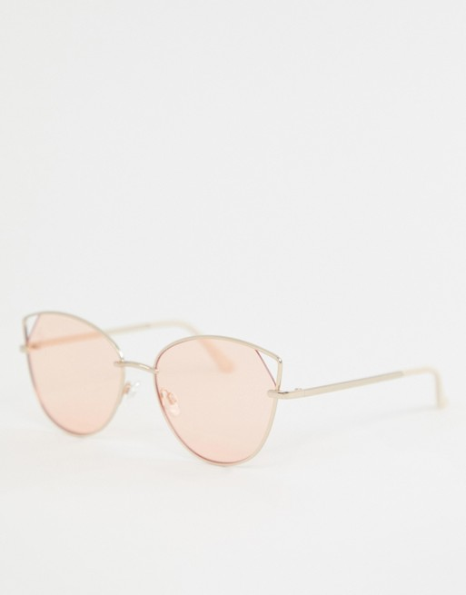 Jeepers Peepers cat eye sunglasses in gold with pink lens