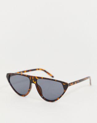 Jeepers Peepers – Katzenaugensonnenbrille mit flachem Brauensteg in Schildplattoptik